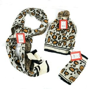 NWT 3pc Hat scarf Glove Set Leopard Print
